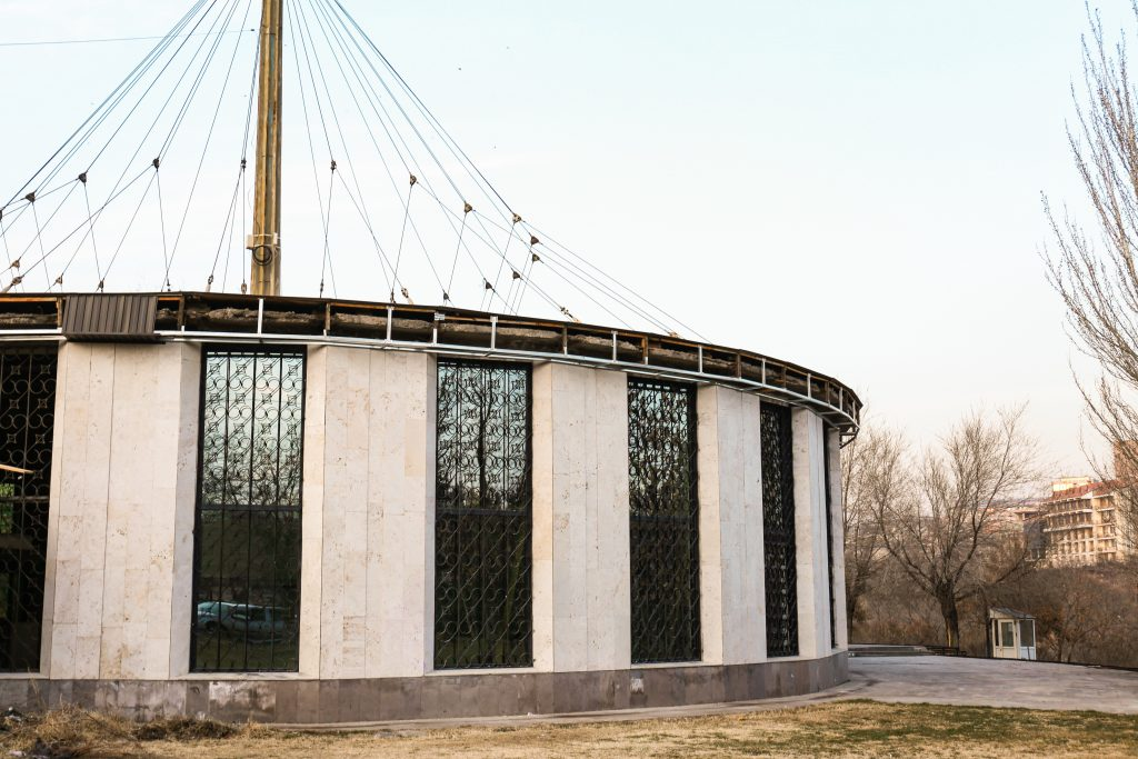 The revolving time machine of TUMO Labs and 42 Yerevan